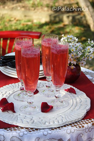 Red Currant Champagne