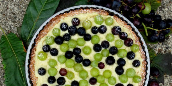 My Little Italian Kitchen: Almond tart with grapes