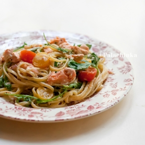 Salmon, Arugula and Cherry Tomato Linguine