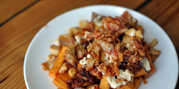 the taste space – steam, bake, boil, shake!: Jackfruit and Kimchi Sweet Potato Poutine with Tofu